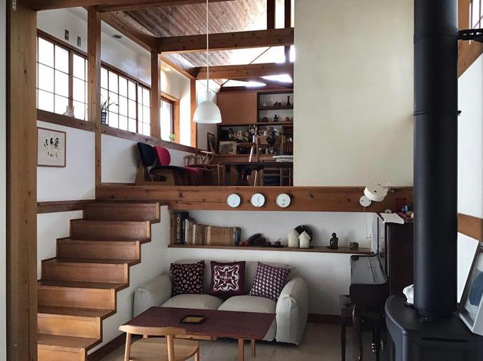 三澤邸階段.jpg